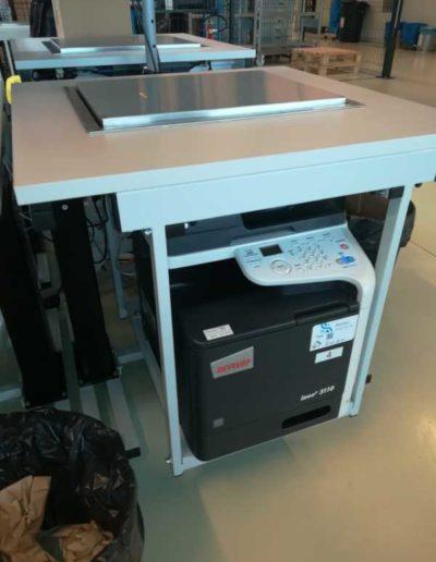 Instalacja wag w blatach stołów technicznych
